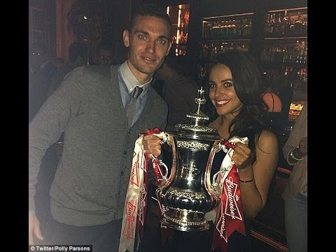 Barcelona beat Manchester United in race to sign Arsenal's Thomas Vermaelen in £15m transfer..