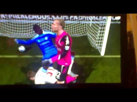 Fifa 12 - Drogba getting rejected by jussi jaaskelainen