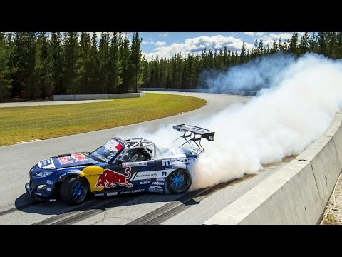 "Mad Mike Whiddett and his Mazda MX-5 ""RADBUL"" Drift Highlands"