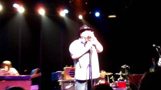 Watch Blues Traveler Slow Change video