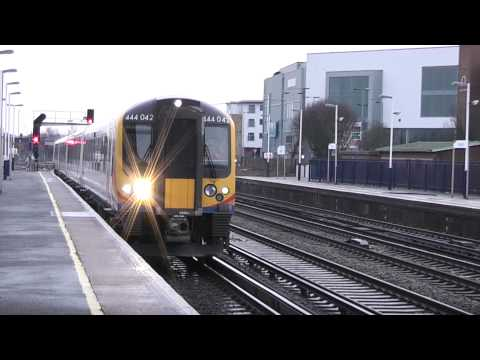 Class 444's coupling at Eastleigh