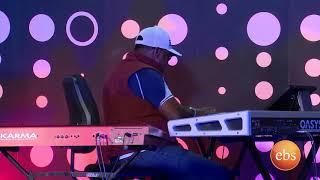 ቴዲማክ  ብሉ ቦሳ ሂፕ ሆፕ ስልትበማን ከማን ከመሳይ ጋር ሾውTeddy Mak  Blue Bosa (Hip-Hop Style)On Man Ke Man Show