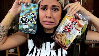 TRYING JAPANESE SNACKS