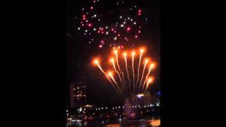 Riverfire 2012 Fireworks in Slow Motion 60fps 2