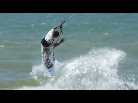 Travel Vietnam | Beach travel holidays | Sport activities | Kiteboarding | www.surfpoint-vietnam.com