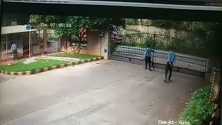 Watch men anforchunetle accident