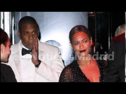 La hermana de Beyoncé la emprende a golpes con Jay Z
