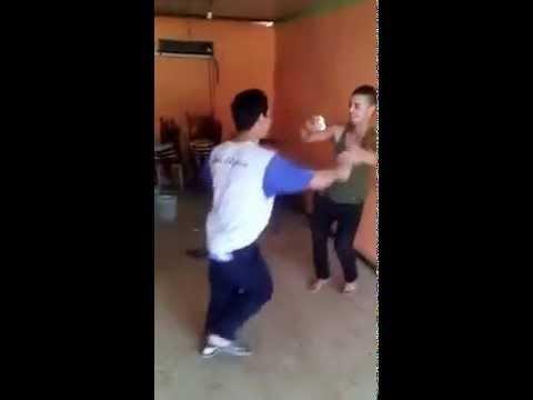 شنوي يتحدى دزيري في الرقص على انغام السطايفي هههههه thumbnail