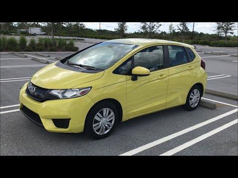 "An Idiot ""Reviews"" a 2015 Honda Fit"