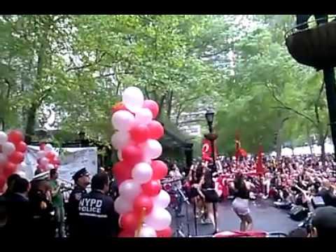 Serdar Ortac 32. Turk Gunu Yuruyusu ve Festivali 1