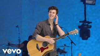 download lagu Shawn Mendes - There's Nothing Holdin' Me Back Live gratis