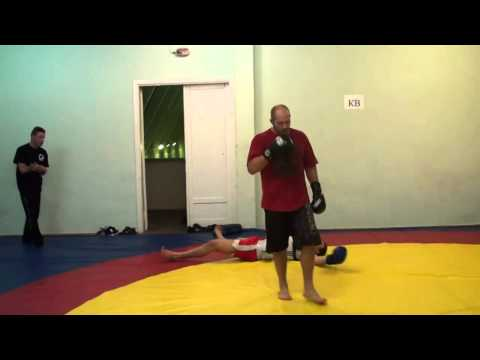 Fedor Emelianenko training boxing Image 1