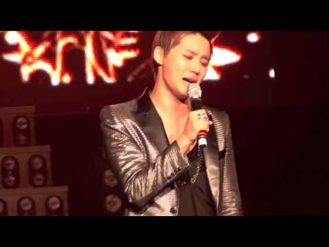 Xia Junsu - Fallen Leaves in LA crying