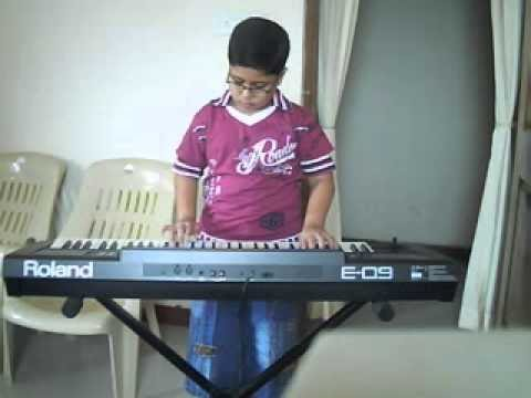 Animesh playing Aao bacho tumhe dikhayen
