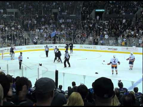 Hockey Fight (fan video) LA Kings Kevin Westgarth vs. NY Islanders Matt Martin 11/13/10