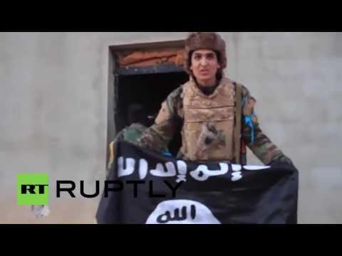 Libya: Army show IS trophies following heavy fighting near Benghazi