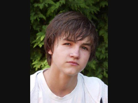 tommy knight gay kiss