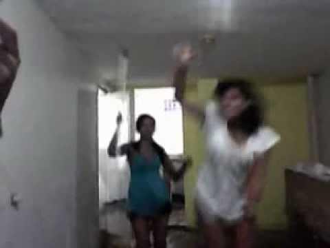 - oppa gangnam style  -  Veê , Izy , Camila  (;