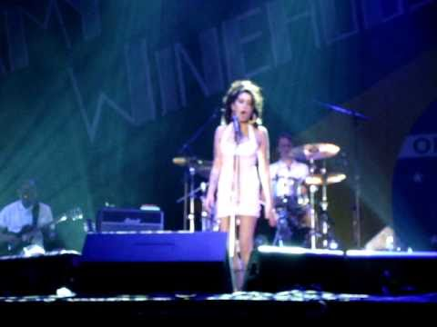 Amy Winehouse - The Boulevard of Broken Dreams  @ Florianopolis - Brazil