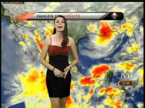 Arlette Fernandez falda negra top rojo