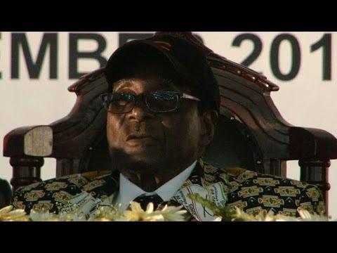Le président Zimbabwéen Robert Mugabe fête vendredi ses 90 ans