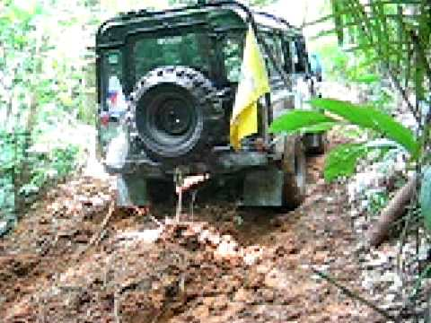 Land Rover Defender 110 with Warn 8274 winch at Rainforest Challenge of Malaysia 2006