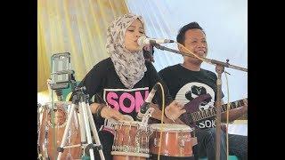 download lagu Ratu Kendang Hijab Sambil Nyanyi Payung Hitam Bikin Nangis gratis