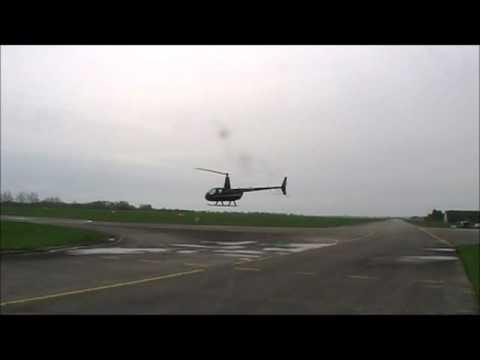 Vrtulník Helikoptéra příprava na start a start. Helicopter