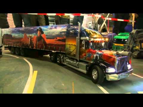 rc wayne show truck lkw radio remote controlled. Black Bedroom Furniture Sets. Home Design Ideas