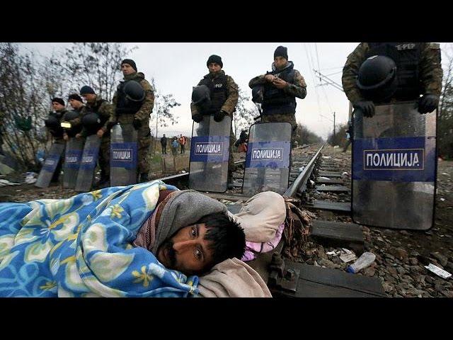 El bloqueo de las fronteras y el invierno ponen a miles de refugiados en una situación insostenible