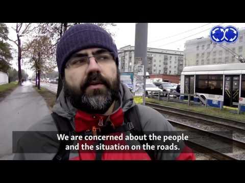 Moscow Traffic Vigilantes Challenge Scofflaw Drivers