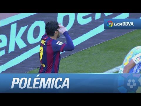 Polémica: dudoso fuera de juego de Suárez y pañolada del Camp Nou