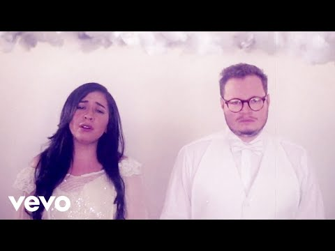 Leonel Garca, Carla Morrison - Que Lloro (Video Visual)