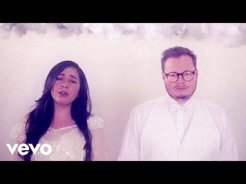 Leonel García, Carla Morrison - Que Lloro (Video Visual)