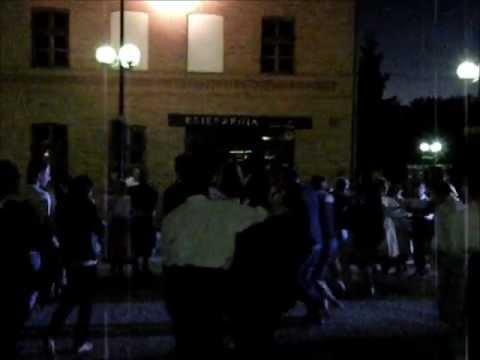 Tańczący Z Węgrami Na Bruku W Olsztynie