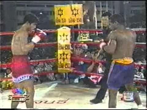 Samart Payakarun vs Gilbert Ballantine.mpeg