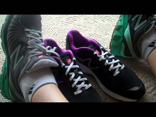 New Balance Running Shoes: Unboxing Women's Black Barrin