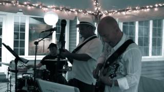Mark Sganga 5 featuring Timmy Cappello: Lay Around and Love On You
