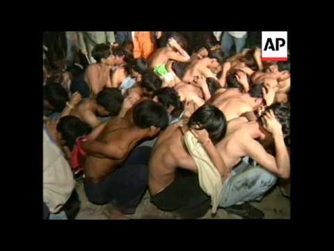 THAILAND: BANGKOK: FACTORY WORKERS PROTEST TURNS INTO RIOT
