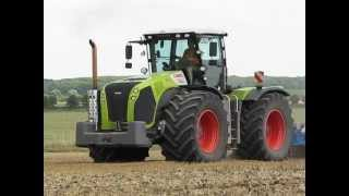 Claas Xerion 5000 Trac mit Köckerling Vector 800