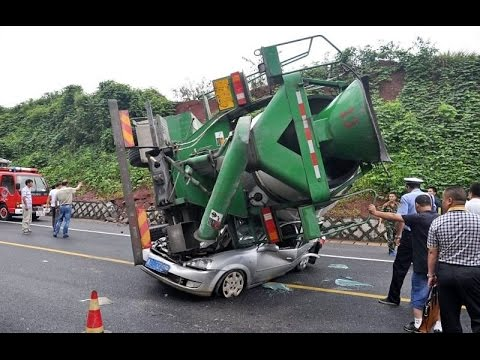 Accident on the road - August 2014