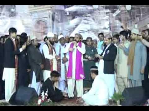 Madina Sohna Lagda Ay  Qari Shahid Mehmood  Mehfil Naat Pir Mahal video