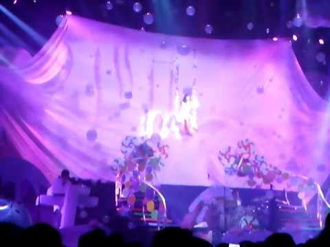 Katy Perry - Not like the movies @Zenith Paris