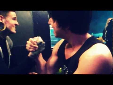Armwrestling with Ricky Hoover (Vocalist) Suffokate