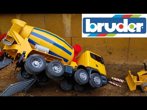 BRUDER toys Concrete-mixer TRUCK crash!