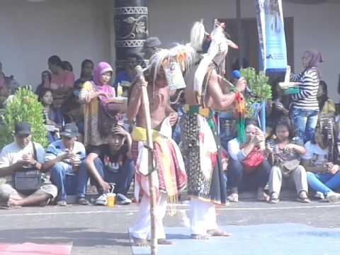 Caci TMII 16 8 2015 dere pande nuk one Manggarai
