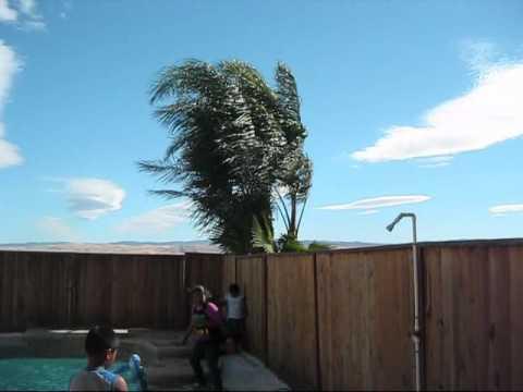 Unseasonable Gusty Winds in Tracy, CA (August 28, 2010)