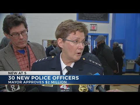 Mayor Ginther, Chief Jacobs announce additional police officers for city