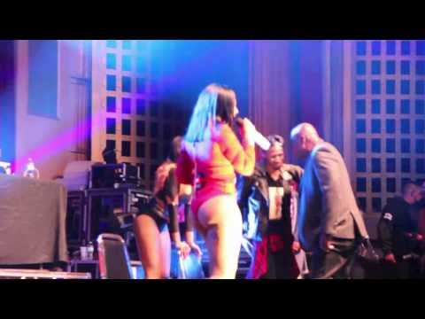 Ashanti letting it all out in Chicago 11/19/16 thumbnail