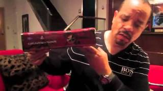 Gears Of War 3 Xbox360 Unboxing and Gameplay